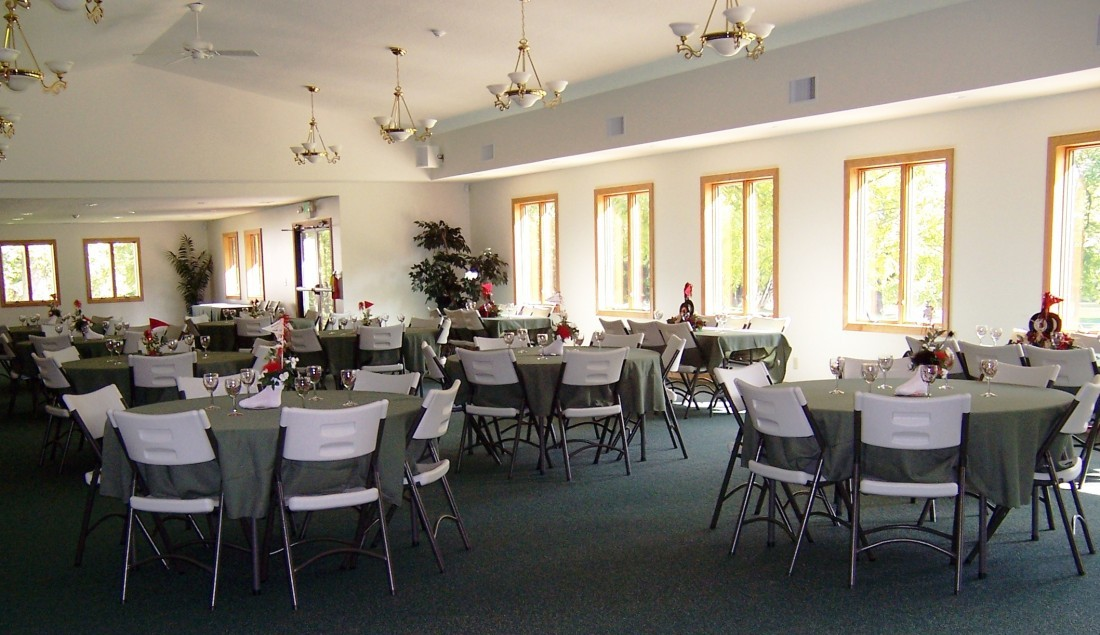 Ding Room with round tables